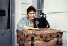 Siebenstein, Rudi and the suitcase Right In The Childhood, Childhood Tv Shows, Childhood Games, Minion Smile, Nostalgia 70s, Good Ol Times, Childhood Memories 90s, Mini Me, 90s Kids