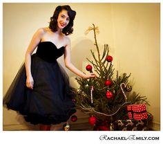 Samt und Tüll trägerlos schwarz 1950er Stil Kleid von louiseomahony, $242.00