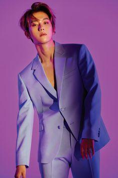 EXO released gorgeous photos of Baekhyun and Chanyeol for 'Love Shot.''Love Shot' is the SM Entetainment boy group's repackage album. Kpop Exo, Exo K, Lay Exo, Kyungsoo, Baekhyun Chanyeol, Kris Wu, Baekhyun Photoshoot, K Pop, Shinee