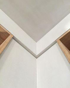 ✔️#pierreyovanovitch #architecture #interiordesign #details #wood #corner #angle #cornice #white #oak