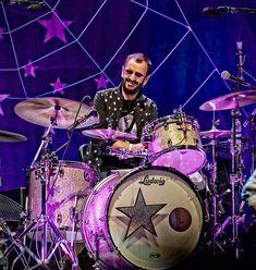 Drummerworld Page for Ringo Starr - The Beatles Beatles Band, John Lennon Beatles, The Beatles, Ringo Starr, George Harrison, Montreux Jazz, Ludwig Drums, Richard Starkey, Vintage Drums