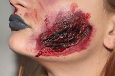 Halloween-Make up mit flüssigem Latex