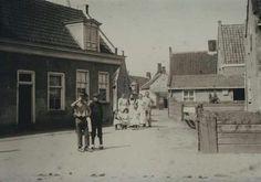 Freek van rhoonstraat.omsteeks 1900.