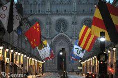 pavoisement drapeaux rue Jeanne d'Arc - BOUGOT Thierry