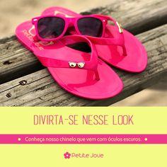 Chinelo + óculos na mesma cor para você se apaixonar!  Conheça mais em www.petitejolie.com.br