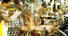 Indústria perde 0,9% dos postos de trabalho de março para abril. | Indústria
