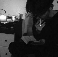 Bad Boy Aesthetic, Night Aesthetic, Character Aesthetic, Aesthetic Grunge, Boy Photography Poses, Grunge Photography, Cigarette Aesthetic, Black Aesthetic Wallpaper, Black And White Aesthetic