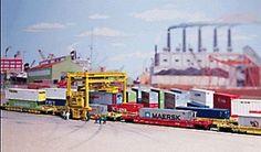 Walthers Mi-Jack Translift Intermodal Crane - Kit -- N Scale Model Railroad Building Accessory -- #3222
