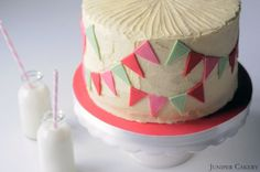 Rhubarb, Honey & Vanilla Cake in Partnership with The Happy Egg Co. Cute design idea too!