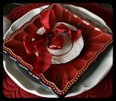 red place setting.... switch out the ornament to use for Christmas instead of Valentine's Day