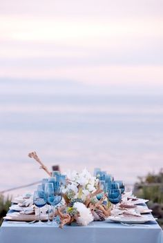 CHIC COASTAL LIVING: Beachside Wedding Bliss