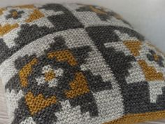Ravelry: Jollyrobins' Icelandic Intarsia Cushion
