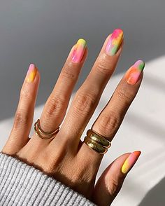 Ongles Tie Dye, Tie Dye Nails, Minimalist Nails, Uñas Kylie Jenner, Nagellack Trends, Funky Nails, Colorful Nails, Edgy Nails, Funky Nail Art