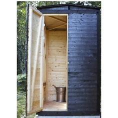 Swedish outhouse utedass by General Architecture ; Gardenista