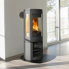 Jøtul F 371 Advance er en videreutvikling av F370 konseptet, som gir en enda større utsikt til flammene og de brukervennlige luftkontrollene sørger for at glasset holder seg rent. Velkommen til fremtiden. Wood Burning Stove Corner, Pellet Stove, Home Appliances, Fire, Living Room, Places, House, House Appliances, Appliances