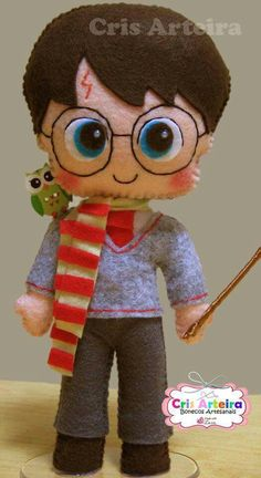 Harry Potter Dolls, Hp Harry Potter, Felt Patterns Free, Felt Bookmark, Felt Pillow, Felt Fabric, Felt Toys, Felt Art, Felt Animals