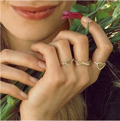 Combine delicate rings in solid gold to create a look as brilliant as the sunshine. Pandora Rings, Pandora Bracelets, Pandora Jewelry, Jewelry Rings, Summer Beauty, Delicate Rings, Bliss, Summertime, Sunshine