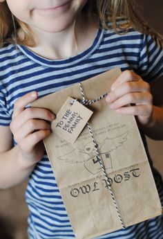 DIY Crafts : Harry Potter Universal Studios – Owl Post Vacation Countdown (she: Adelle) Harry Potter Ticket, Harry Potter Owl, Theme Harry Potter, Harry Potter Universal, Universal Hollywood, Vacation Countdown, Disneyland Vacation, Cruise Vacation, Disney Cruise