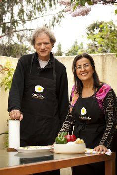 El divertido actor Nancho Novo nos enseña su faceta más cocinillas en el programa Y además cocinan.