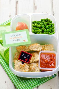 easy baked ravioli recipe everyone will love! Also easy to pack inside a school lunch!
