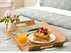 Find your Mother's Day inspiration at Luscious! View our top 5 fallbacks when searching for perfect Mother's Day gifts and activities. Sunday Morning Images, Happy Sunday Morning, Sunday Pictures, Morning Mood, Breakfast Tray, Bed And Breakfast, Romantic Breakfast, Perfect Breakfast, Breakfast Ideas