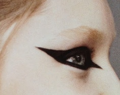 Spotted in an issue of the Australian Russh: a wonderful editorial with graphic eye make-up only in black.