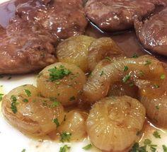 Filetto di maiale al Sagrantino con cipolline in agrodolce