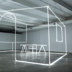 Bentley-Design-Miami-Light-installation-by-Massimo-Uberti_dezeen_784_0