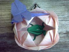 Origami Lily Pad with Tiny Frog and Dragonfly by pj at craftylilthing.