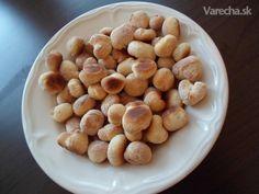Bobaľky - opekance (fotorecept) - recept | Varecha.sk Beans, Ale, Baking, Vegetables, Food, Basket, Ale Beer, Bakken, Essen