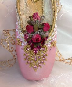 Rose Adagio themed decorated pointe shoe. Aurora. Sleeping Beauty.