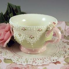 Beautiful shabby teacup - perfect for DIY
