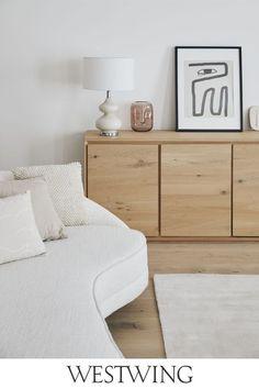 Living Room Interior, Home Interior Design, Living Room Furniture, Design Salon, Dresser As Nightstand, Seasonal Decor, Feng Shui, Home And Living, Living Room Designs