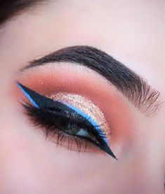 Colored Eyeliner Looks: 10 Ways To Style Them - UrbanClap - April 20 2019 at Eyeliner Make-up, Smudge Proof Eyeliner, Perfect Eyeliner, How To Apply Eyeliner, Eyeliner Ideas, Color Eyeliner, Natural Eyeliner, Eyeliner Brands, Simple Eyeliner