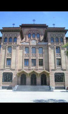 Colegio San Agustín, fachada Zaragoza.