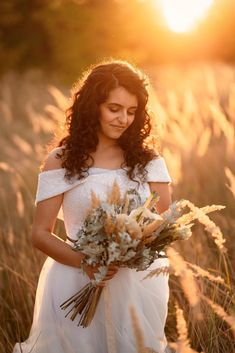 Bride portrait photoshoot outdoor at golden hour in a field near a beautiful barn ~ JurnalFotografic The Bride, Daisy Field, Bride Portrait, Golden Hour, Flower Girl Dresses, Girly, Photoshoot, Wedding Dresses, Senior Photos