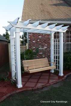 Crescent City Ramblings: Garden Pergola Swing...the perfect gift!