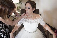 The bride - La preparación de la novia (wedding & love photography, fotografía de bodas y parejas)  · Fotógrafo de Bodas Badajoz | Estrella Díaz Photovisual www.estrelladiaz.es  #wedding  #bride #photography #love #makeup #novios #boda