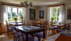 Gräddhyllan lantcafé, Markaryd – Kulturbilder Windows, Ramen, Window