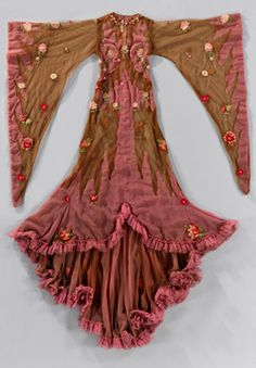 Glinda the Good Witch of the South costume from The Wiz, The National Museum of African American History and Culture - Black Fashion Museum Collection.