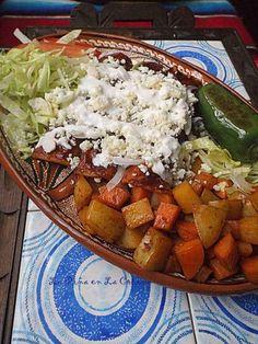Mexican Cooking, Mexican Food Recipes, Ethnic Recipes, Enchiladas Mexicanas, Pollo Chicken, Good Food, Yummy Food, Enchilada Recipes, Chicken Enchiladas