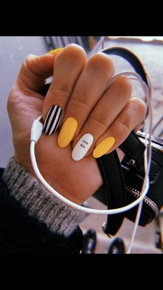 Office nails Miladies net is part of Grey Yellow nails Tips - Office nails Miladies net Summer Acrylic Nails, Best Acrylic Nails, Pastel Nails, Summer Nails, Acrylic Nails With Design, Nail Ideas For Summer, Acrylic Nail Designs For Summer, Acrylic Nails Yellow, Yellow Nails Design
