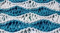 How to Knit the Sea Foam Wave Drop Knit Stitch Pattern with free knitting pattern and video tutorial by Studio Knit Spool Knitting, Knitting Charts, Knitting Stitches, Knitting Patterns, Crochet Patterns, Knitting Ideas, Silvester Diy, Quick Knits, Bobble Stitch