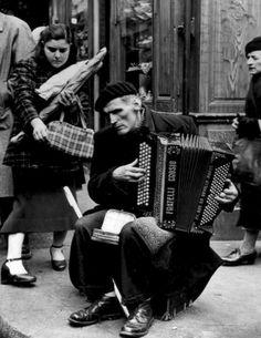 France. Paris, 1950 / Gordon Parks