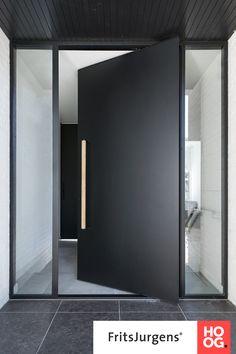 Modern Entrance Door, Modern Garage Doors, Modern Exterior Doors, Exterior Doors With Glass, Modern Front Door, Front Door Entrance, House Entrance, Front Entry, Door Entry