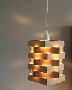 โคมไฟห้าเหลี่ยมจากกระดาษลัง DIY Cardboard Pendant Light