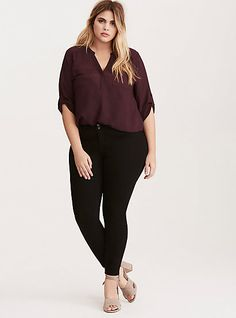 Harper – Dark Purple Georgette Pullover Blouse – Business professional outfits for interview Business Casual Outfits For Women, Casual Work Outfits, Professional Outfits, Curvy Outfits, Work Attire, Plus Size Professional, Work Casual, Plus Size Interview Outfits, Job Interview Dress