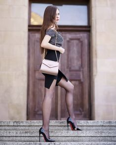 Great Legs, Beautiful Legs, Most Beautiful Women, Black Hold, Sexy Legs And Heels, Sexy Stockings, Mannequins, Sexy Outfits, Fashion Models