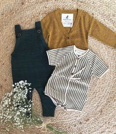 Sweet Baby Outfit Sweet baby outfit for little girls or boys simple neutral baby - Outfits Für Teenager - Baby Clothes Boys Fall Fashion, Baby Boy Fashion, Toddler Fashion, Toddler Outfits, Girl Outfits, Cheap Fashion, Infant Fall Outfits Girl, Outfits For Baby Boys, Fashion Women