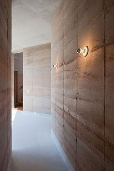 House in Ajijic, Lago de Chapala Mexico – Tatiana Bilbao – Iwan Baan Rammed Earth Homes, Rammed Earth Wall, Interior Architecture, Interior And Exterior, Wall Design, House Design, Sustainable Building Materials, Bilbao, African House